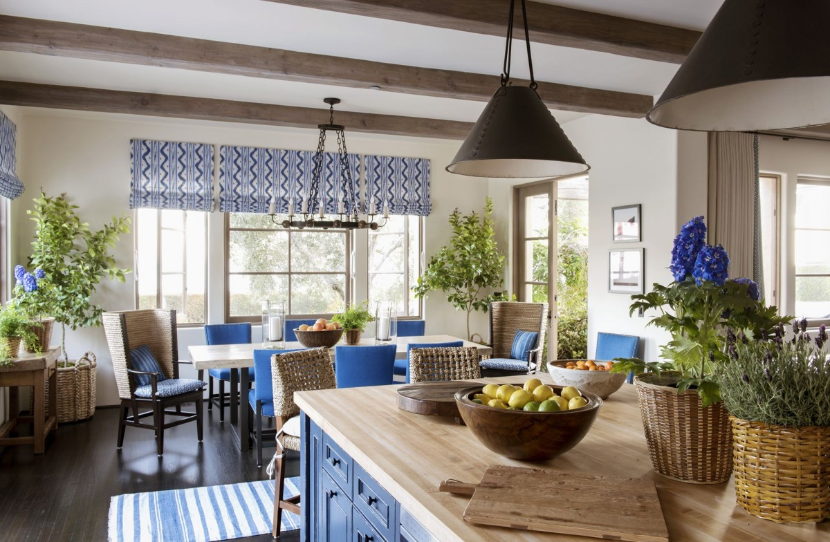 Puzzle Blue dining room