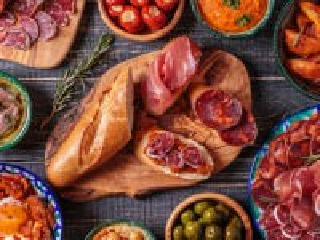 Собирать пазл Baguette and sliced онлайн