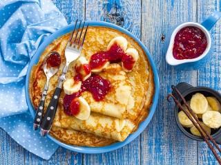 Собирать пазл Pancakes and jam онлайн