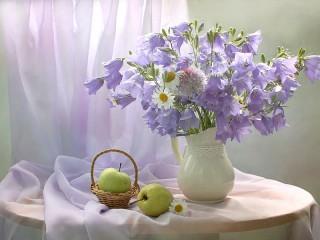 Собирать пазл Bunch of bell-flowers онлайн