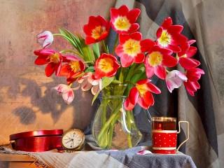 Собирать пазл A bouquet of tulips онлайн