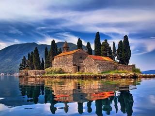 Собирать пазл Montenegro онлайн