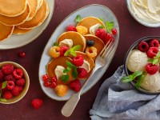 Собирать пазл Dessert with pancakes онлайн