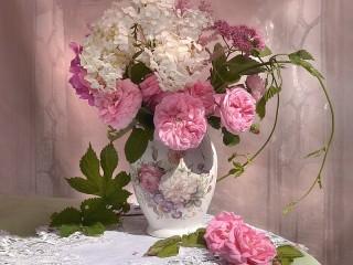 Собирать пазл Intoxicating roses онлайн