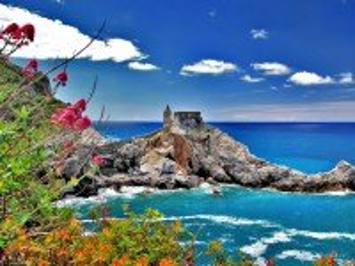 Собирать пазл Italy coast онлайн