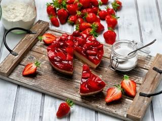 Собирать пазл Strawberry cheesecake онлайн