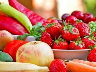 Собирать пазл Strawberry and Apple онлайн