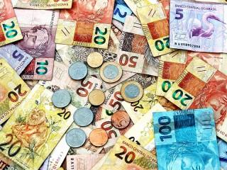 Собирать пазл Banknotes and coins онлайн