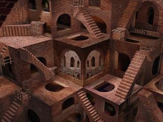 Собирать пазл Staircases and arches онлайн