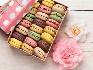 Собирать пазл Macarons онлайн