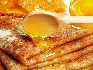 Собирать пазл Pancakes and honey онлайн