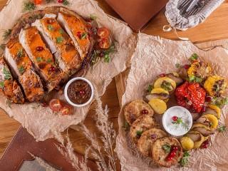 Собирать пазл Meat with vegetables онлайн
