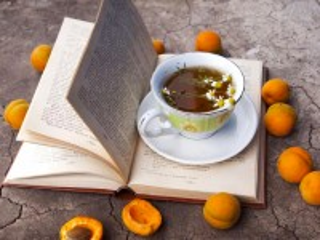 Собирать пазл Still life with a book онлайн