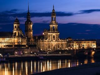 Собирать пазл Night Germany онлайн