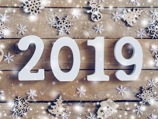 Собирать пазл The new year is 2019 онлайн