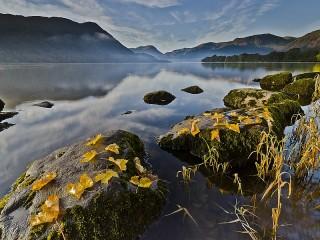 Собирать пазл Autumn lake онлайн