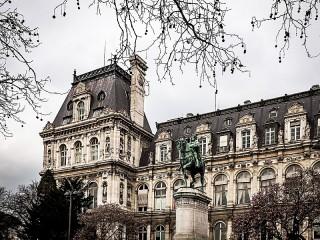 Собирать пазл Hotel de Ville онлайн