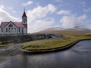 Собирать пазл Coastal Church онлайн