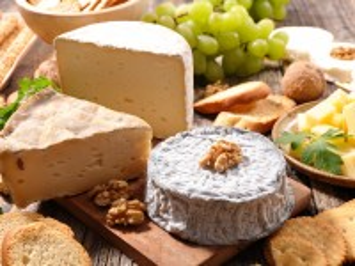 Собирать пазл Cheese and appetizer онлайн
