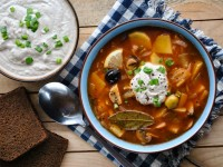 Собирать пазл Solyanka with sour cream онлайн