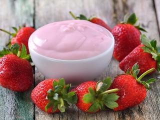 Собирать пазл Strawberry Yogurt онлайн