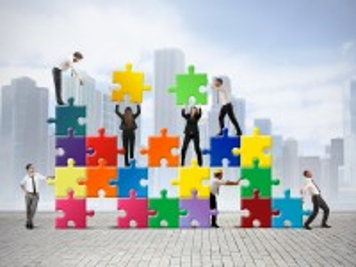 Собирать пазл Builders онлайн