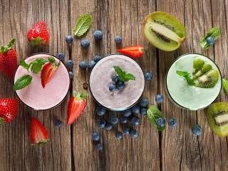 Собирать пазл Three smoothies онлайн
