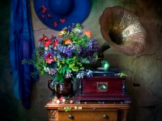 Собирать пазл Flowers and music онлайн