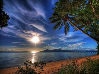Собирать пазл Evening beach онлайн