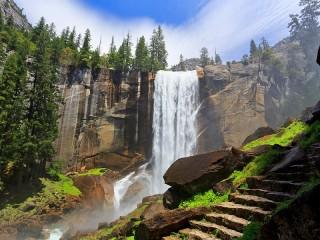 Собирать пазл Waterfall and steps онлайн