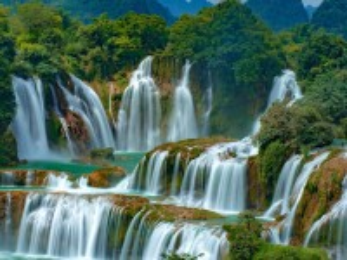 Собирать пазл Waterfall on the border онлайн