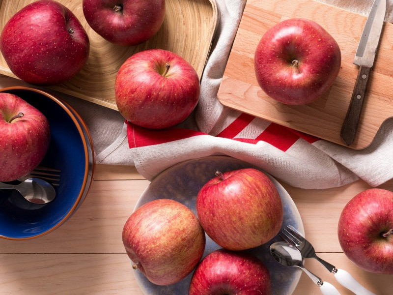 Puzzle Sammeln Puzzle Online - Apples on the table