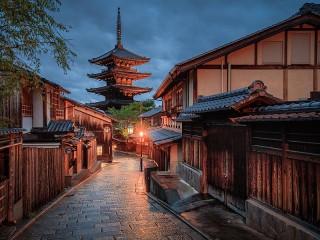 Собирать пазл Japanese street онлайн