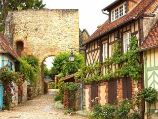 Собирать пазл Gerberoy in France онлайн